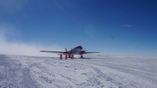 China's first fixed-wing aircraft for polar flight