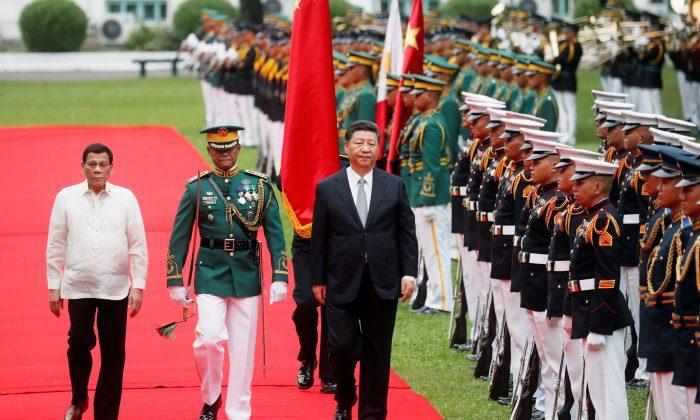 Chinese leader Xi Jinping with Philippine President Rodrigo Duterte