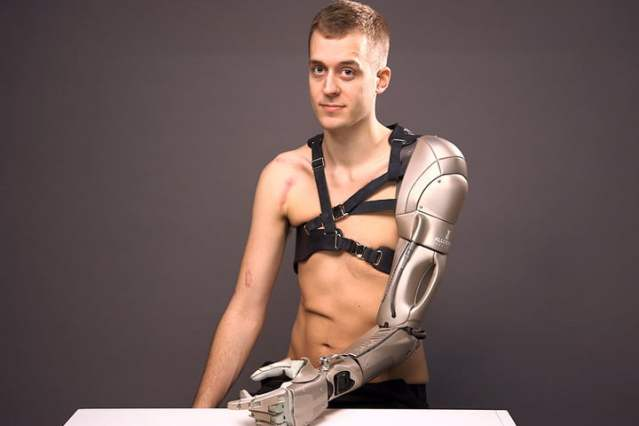 Konami's drone-equipped prosthetic arm