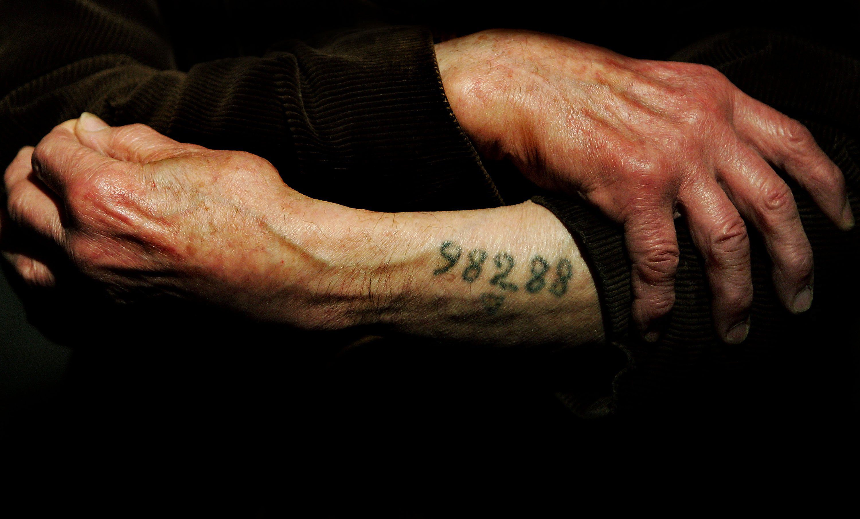 Auschwitz survivor Mr. Leon Greenman, prison number 98288,