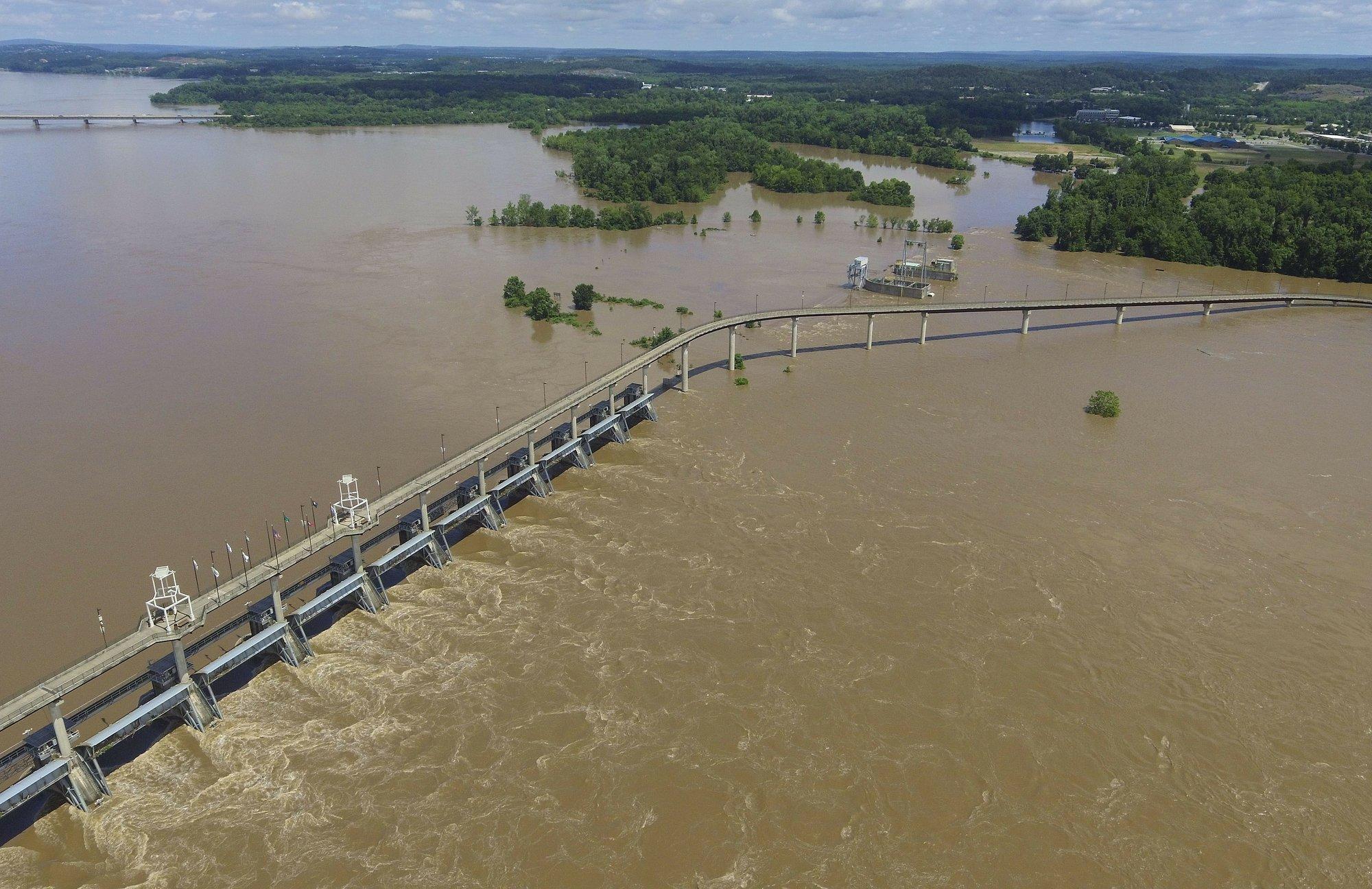The Arkansas River rises at Murray Lock and Dam in Little Rock, Ark.