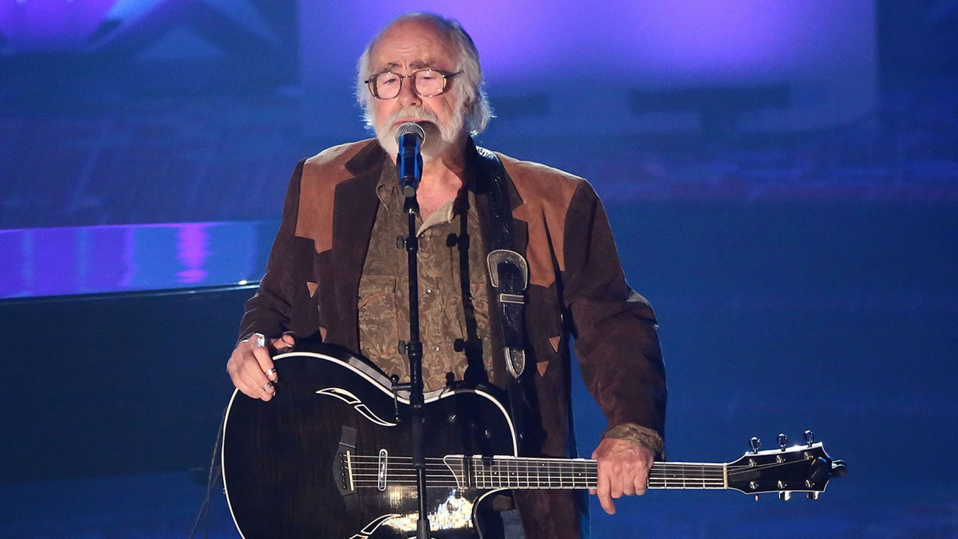 Grateful Dead lyricist Robert Hunter died at age 78.