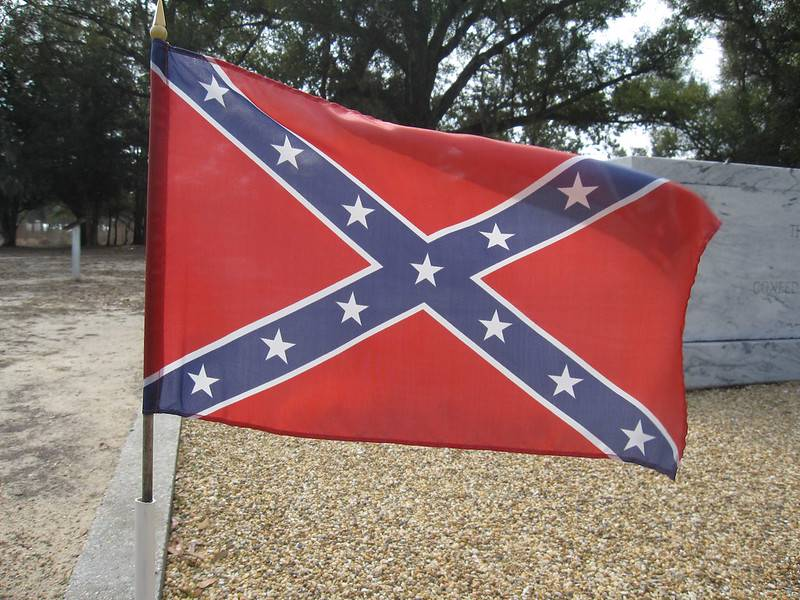 Confederate Flag in Biloxi, Miss. (edward stojakovic/Flickr)