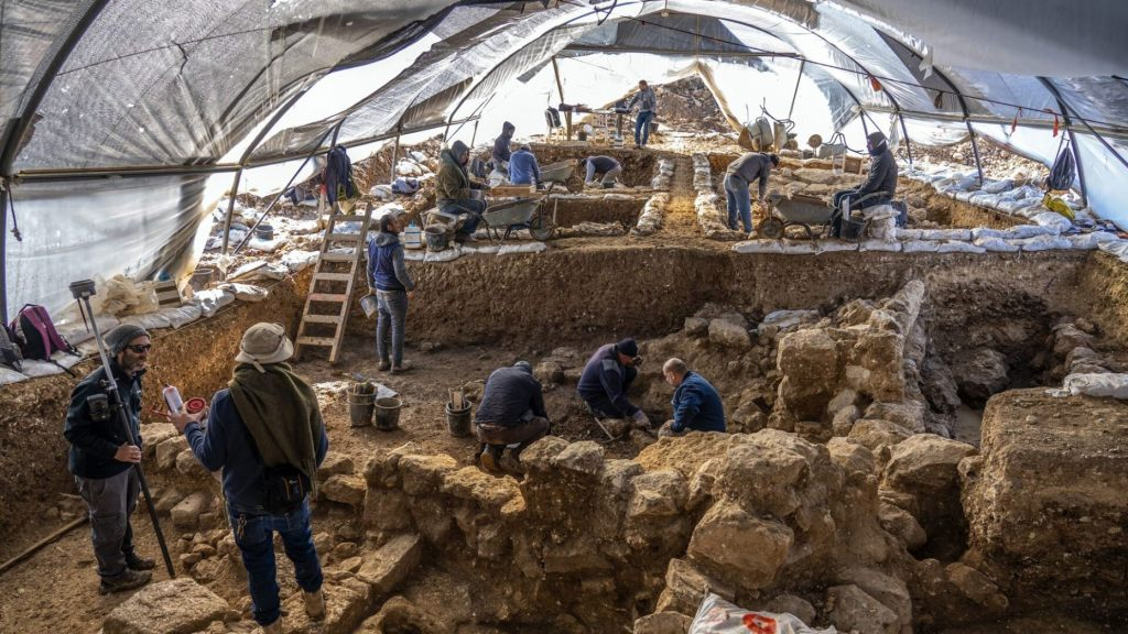 Israel Antiquities Authority Excavations at the Arnona site from the First Temple Period.