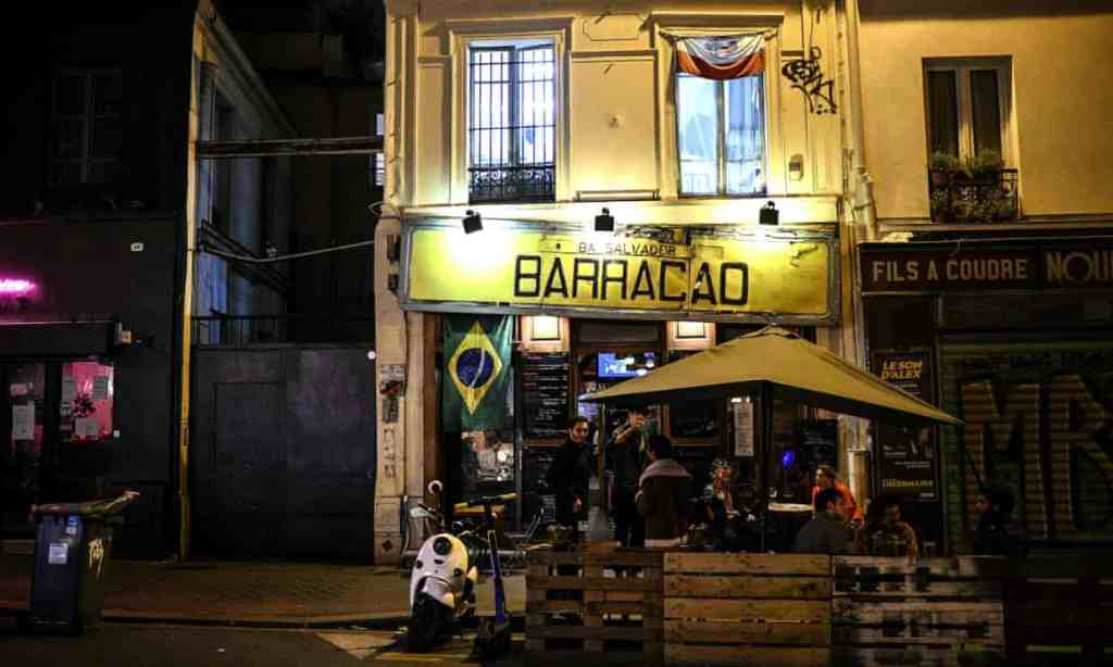 Paris is set to move to maximum Covid alert and shut bars for a fortnight.