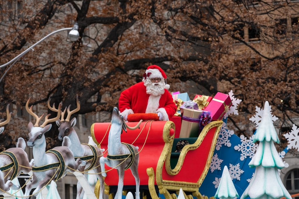 Christmas Parade (Kevin Cabral/Flickr)