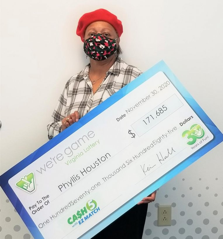 Phyllis Houston of Yorktown, Va., said some non-functioning Christmas lights sent her on the path that led to her winning a $171,685 lottery jackpot.